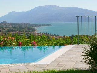 Progettazione giardino per villa rustica sul lago di Garda