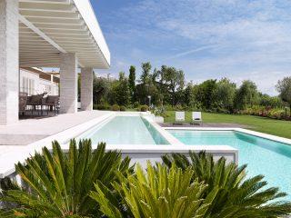 Progettazione giardino con piscina su due livelli